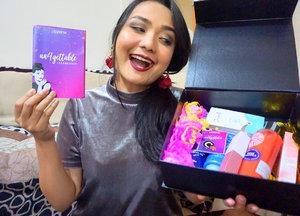 My Dear @clozetteid Happy 4th BIRTHDAY 🎁 💋🤩...Seneng banget dikirimin Un4gettable Box dari Clozzetteid ..thank you so muuuuch it's a Box full of Happiness❤️❤️. This Box Consist of my 'Beauty Must Have' @pondsindonesia @senkaindonesia @zap_beauty @jacquelle_official 😍😍😍😱.....#clozetteun4gettable #clozetteid #beautymusthave