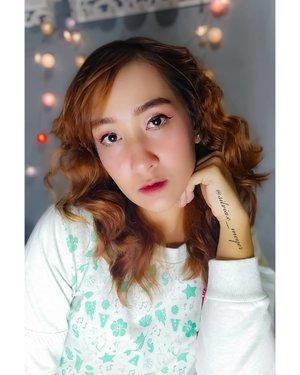 Lucu juga ya rambut nya di curly gini 🤩😍  Curly tanpa alat catok keriting lho☺️ Ada yang mau tutorialnya kah?☺️ Komen yuk😘❤️  #makeup  #makeupideas  #curlyhair  #curlyhairstyles  #curly  #curlyhaired  #clozetteid  #clozetter  #beautybloggers  #beautygram  #beautyvlogger  #beautyinfluencer  #beautyenthusiast