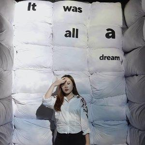"""Rowoon dan jungjaehyun pada aku: """"It was all a dream"""" 😭😭😭😭 ㅠㅠ ㅠㅠ . Tadi main main ke @tenblocksmuseum kacau isinya gemesh, salah satunya ini yang bikin salfok. . 재현 오빠, 꿈에서 만나요!!~~~ #clozetteid #kbeauty #dailylook #dream #instagram #abcommunity"""