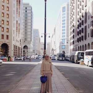 Udah lama ngepost di blognya tapi baru sadar blm ngirim ke IG ✌🏻️😁 jadi ini lanjutan cerita #HijabChallenge winner, umrah with Cordova Travel https://bonitaarinida.wordpress.com/2016/06/03/umrah-2016-part-2-hijabchallenge-winner/•••••#clozetteID #cordovatravel #cordova
