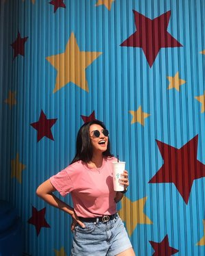 Keep your eyes on the stars and your feet on the ground🌈 . . . . . . . . . . . #clozetteid #holiday #star #colorful #girl #cute #instagram #instamodels #instamoment #instagood #instamood #photography #photooftheday #ootd #fashion #pink