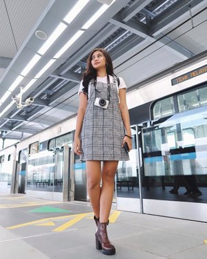Happy (finally) Friday🚉🌈🍃.........#mrtjexperience #mrt #mrtjakarta #transjakarta #instagram #indonesia_photography #jakarta #fashion #ootd #streetstyle #streetphotography #beauty #beautiful #girl #station #train #youtube #canon #vsco #vscocam #photography #photooftheday #clozetteid