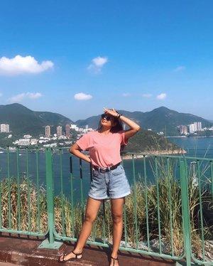 Baru mood buat upload foto liburan niyyy ehe he he��� . . . . . . . . #clozetteid #holiday #hongkong #hk #asia #pink #ootd #park #bluesky #view #city #cityview #blue #instagood #instamood #instadaily