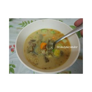 Sop Kaki... Best of the day 💃 #clozetteID #sopkaki . Good food lead us to good life #indonesianfood #indonesianculinary #kulinerbandung  #goodfoodgoodlife #alca_food