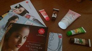 Hi @viva.cosmetics ! Thankyou for the exclusive card and cute samples ❤❤ ------------------ 💌 alca.alca.belle@gmail.com ✏ alcaalcabelle.blogspot.com 💻 https://www.youtube.com/c/CindyAlcander1789 ------------------ #makeup #makeupoftheday #motd #makeupenthusiast #makeupaddict #makeupjunkie #makeuplover #makeupporn #instamakeup #mua #makeupartist #undiscovered_muas #wakeupandmakeup #hudabeauty #vegasnay #instadaily #photooftheday #potd #faceoftheday #makeuplook #beautyblogger #beautyvlogger #starclozzeter #beautybloggerindonesia #indobeautygram #clozetteID #alca_girl #alcaalcabelle.blogspot.com