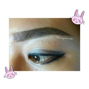 Eye make up which I made today.....I'm just falling in love with this Eyebrow of the day !!! Eyebrow ON POINT 😂 aheuy . . . Perfect 😍 #eyebrowoftheday #eyemakeup...I'm taking this photo after I remove fake eyelashes 😂...I'm using : Eyebrow cream @qlcosmeticGel eyeliner @maybellineEye shadow @smashboxcosmeticsSuper glitter liner @canmaketokyo@canmakeid Concealer @makeoverid...You can find my Review about eyebrow cream :http://alcaalcabelle.blogspot.co.id/2016/06/eyebrow-cream-ql-cosmetics-review.html...https://www.youtube.com/watch?v=ia7eqSuPPkM...#clozetteID #alca_girl------------------💌  alca.alca.belle@gmail.com✏ alcaalcabelle.blogspot.com💻 https://www.youtube.com/c/CindyAlcander1789