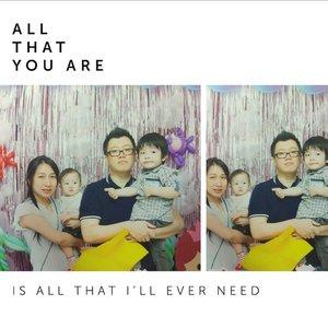 FULL TEAM! foto yang agak janggal wkwkkekw... Papi n Ryu dfoto... Mami n Gwen numpang dfoto... HHHHHHHHHHHHHHH... #family #familygoal #fullteam #GwenOzoraHalim #RyuOzoraHalim #clozetteID