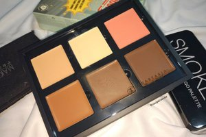 this my fave contour kit 😍😍😍 @anastasiabeverlyhills .mine is Medium to Tan 👌.why oh why ?👌 the most important is Easy to Blend!!! I blend it using beauty blender.👌creamy texture👌available in many shades👌the result is natural, not to much!!👌matte finish.#anastasiabeverlyhills#anastasiabeverlyhillscontourkit#clozetteID#alca_review