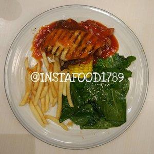 haii haii haii... teman-teman yang punya hobi makan, ato ibu2 yang suka bingung mau masak apa di rumah, yuk follow ig ku yang isinya makanan, saat aku kuliner, dan makanan, saat aku masak 😂😂 ig ini buat hepi hepi menyalurkan bakat terpendam, yaitu makan 😅😅😅 dan menyalurkan hasrat menjadi chef chef an 😅😅😅 . cus... follow @instafood1789 . #clozetteID  #GoodFoodGoodLife #alca_food #alca_homemade #resepmasakan #masakanrumahan #foodporn #foodaddict #foodlover #eat #eatandtreats #kuliner #culinary #dietmulaibesok #food #foodies #foodinstagram #foodoftheday #makananenak #foodblog #foodblogger
