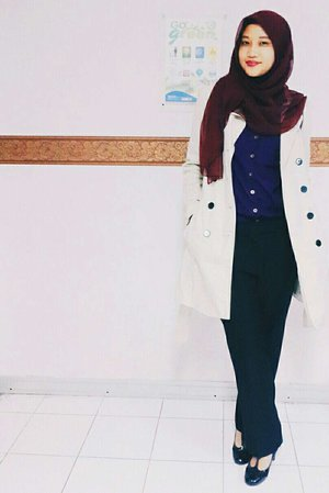 While in campus #ootd #hijabcampus #casual #hijabgirl