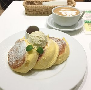 """While strolling around Tokyo, i tried some """"Insta-famous� dishes (except the halal curry house which famous among muslim travelers). Overall, I was satisfied with my dining experiences. Read more about it on my latest blog post, as usual link on bio � . . . #wyntraveldiary #exploretokyo #wheninjapan #ahappypancake #gyukatsumotomura #cococurryhousehalal #clozetteid #holiday #vacation #instafood"""