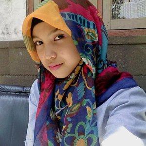 Mengenakan hijab yang colorful memberikan efek yang baik juga untukku. Jadi lebih semangat, ceria dan percaya diri dalam mengawali hari. :) #ClozetteID #ColorfulHijab #HijabFashion #Hijabdairy #Hijabtutorial #Chichijab #Hijaboftheday #Hijabworld #myhijab
