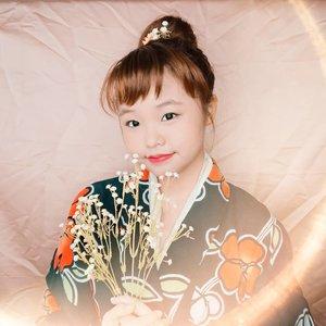 幸せはもうすでに出来上がっているものじゃない。自分の行動が引き付けるものだ。🥀🌹☺️ . . . #ゆかた #かわいい #quotesaboutlife  #きれい #しょうじょ #キュート #ビューティープロコンテスト #ブロガー #クォーツ #イガリシノブ #bloggermaniac #bloggerlife #bloggermafia #japanesemakeup #cosplay #makeup #makeuplooks #simplemakeuplook #igarimakeup #clozetteid