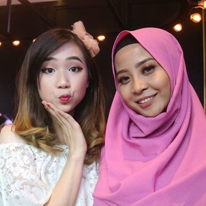 From today's event.  With beautiful ce @cynthiansunartio (OMG ngefans beud sampe tadi nervous abis mau foto) 😭 Si cablak @clarestatok  and Si manjahhh @jessica_ie 😍😍😍 #nofilterneeded #sbbxbioderma #sbybeautyblogger #clozetteid #starclozetter #biodermainsby #bioderma #bblogger #beautyinfluencer #surabayabeautyinfluencer