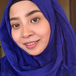 Long holiday makes me forgot how to take a selfie. 🙊 Front camera quality. Makeup detail: Aprilskin Cushion shade 23 (review singkat ada di insta story ku yah 😘) Catrin Lumieres Lunaires Diamond Mineral.  A:Concept Everything in A:Pink Lip&Cheek. Missha The Style 4D Mascara.  ABH dipbrow pomade shade Ebony.  #clozetteid #starclozetter #caaantikbeautyblog #caaantik #bblogger