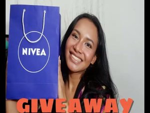 #GIVEAWAY Hai.... nah nah aku bikin giveaway bareng sama @nivea_id !!!! aku bakal pilih 1 orang buat dapetin paket produk Nivea!!!! Caranya gampang koks! . . 1. Follow instagram aku @btariskr dan @nivea_id 👌 2. Comment apa aja 3. Lalu jangan lupa tag 3 teman kalian . . . Pemenang akan aku umumin awal bulan November yess #giveawayskincare #giveawayindonesia #cleansedbyyou #bprojectxnivea #nivea #bproject2017 #berrybenka #berrybenkalook #berrybenkaxnivea #cleansedbynivea #cleansedbynivea #giveawaymakeup #giveaway #giveawayindo
