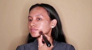 ✨Makeup Simpel untuk Buka Puaa Bersama - Drugstore✨ Tersimpel abiss biare irit waktuFACE :🌫 @evianwater Spray🌫 @wardahbeauty Aloe Vera Hydramild Gel🌫 @wardahbeauty Exclusive Liquid Foundi - 05 Coffe Beige🌫 @wardahbeauty Double Function Kit🌫 @wardahbeauty Two Way Cake - 05 Coffe 🌫 @latulipecosmetiques_ Blush On - 09 🌫 @beautycreations.cosmetics Highliter - Scandalous Glow.EYES :🌫 @ltpro_official Eyebrow Pomade - Ebony🌫 @absolutenewyork_id Eyeshadow Pallete - Icon🌫 @getthelook Mascara - Lash Paradise.LIPS :🌫 @zoyacosmetics Lip Paint - Mocha Mousse🌫 @extica.id Sugar Shine Lipgloss - Orange...#valentinemakeup #naturalmakeup #ivgmakeup #simplemakeup #charisceleb #fdbeauty #makeuplook #wakeupandmakeup #makeupslaves #makeupdolls #fakeupfix #make4glam #makeupgoneglam #flawlessdolls #liveglam #inssta_makeup #makeupindo #tutorialmakeup #makeupideas..@tampilcantik @indovidgram @indobeautygram @wakeupandmakeup @bunnyneedsmakeup