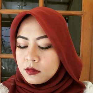 Makeup of The Day feat Wet and Wild Megalast Lipstick in Cherry Bomb. LOVE IT SO MUCH! This lipstick is gorgeous, it stays for more than 4 hours (no eating and drinking) and my lips stay moist all day. Review will be posted soon on my blog www.talkativetya.com  Oya, I also used fake lashes from @newglowlashes #04. Definitely the cheapest lashes I've ever bought and with good quality as well. Review soon on my blog too.  #fakelashes #lashes #lipstick #wetandwild #wetandwildlipstick #cherrybomb #newglowlashes #Makeup #BeautyBlogger #beautybloggerindonesia #bbloggers #BBloggersID #clozetteid #clozettedaily #talkativetya #indonesianbeautyblogger #latepost