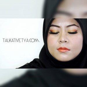 Another look I created using @inezkosmetik. I used Inez Perfect Glow Matte Lipstick in 05. Fiery Orange, Inez Ultra Fine Liquid Eye Liner, Inez Color Contour Plus Eyeshadow in Athena.. The lashes are @bunnylashes_id Mallow. #eotd #motd #makeupoftheday #eyesoftheday #eyes #ombreeyeshadow #orange #gold #orangelipstick #wingeyeliner #blackeyeliner #IndonesianBeautyBlogger #beautybloggerindonesia #beautyblogger #indonesiancosmetics #localbrand #bbloggerid #BblogID #ClozetteId