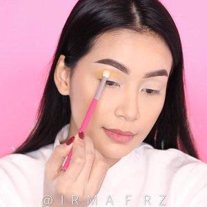 Hi girlss...Mini tutorial lagi ☀️🌼💛🧡 Det :@focallure burning eyeshadow palette @peripera_official pearly night/3 glitter bawah mata@maccosmetics melba / blush@maccosmetics soft and gentle highlight @kyliecosmetics velvet liquid lipstick /basic @nyxcosmetics_indonesia lingerie shimmer/ sable 🎼 song / little mix -is your love enough 🎼#makeupbyirmafarez #makeuptutorial #clozetteid #hudabeauty #kyliejenner #tampilcantik #ragamkecantikan @tampilcantik @ragam_kecantikan @hudabeauty