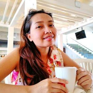 Ke cafe minumnya teteup TEH ANGET. Buatku kalau teh juaranya masih NASGITEL. 🤭#clozetteid