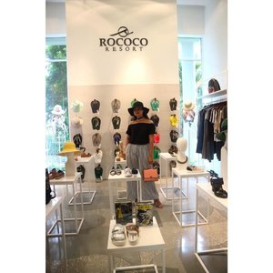 It's officially open now! @rococostore second resort😻🎉 Can't wait to write the full review on the blog💞 . . . . . . #rococo #rococoresort #blogger #baliblogger #shoppingdestination  #highendbrand #balibeautyblogger #balifashion #balifashionblogger #balilife #clozette #clozetteid