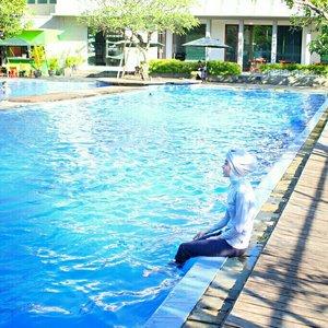 playing with water #clozette #clozetteid #clozetteco #clozettecrew #bluewater #blue #loveblue #water