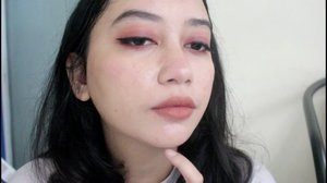 Wearing my favorite lip cream from @brunbrun_paris on the lid!  #BeYOUtifulwithBRUNBRUN  #heytarrablog #ivgbeauty #beautybloggerindonesia #clozetteid