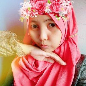 Masak apa hari ini?  ... Dahh gitu aja terus yang dipikirin tiap hari 😌  #hijaber #hijabstyle #hijabinstan #tiarahijabers #beauty #clozetteid #naturalmakeup #skincare #düşüığını #momlife #momdaily