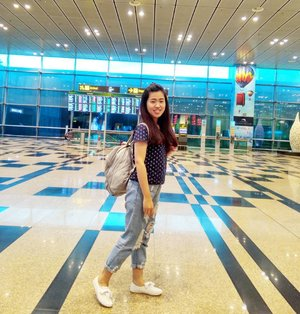 Hello Holidays 🖐 I'm so happy to see you 🤗🤗 . . . . . . . . . . #holiday #holidaytime #refreshing #havefun #travel #traveling #backpacking #LivieSGtrip #LivieTravelOutfit #LivieOOTD #ootd #ootdindo #ootdmdo #kawanuaoutfit #ootdsg #lookbook #traveldiaries #lookbookindonesia #ootdidku #clozetteid #ggrep #instagood #potd #picoftheday  #outfitoftheday #airportstyle #streetstyle #whatiwear #tapfordetails #september2017