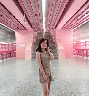 """Life is all about having a Good Time"" - Miley Cyrus 😊 . . . . . . . . . . #clozetteid #wanderlust #instagood #pink #potd #potdindo #ootdsg #holiday #holidaymood #likes #goexplore #travel #travelgram #photooftheday #exploresingapore #vacation #shortescape #shorttrip #redhillstation #backpackerlife #outfits #instagram #placetovisit #likeforlikes #traveller"