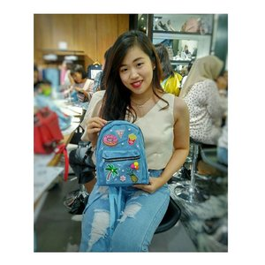 """Its All about """"Guess DIY Event""""  Such a great event and i really enjoyed it 😍😍 . . . Proudly present my limited edition 'Denim Backpack with Sparkling Summer Decorate Theme' 🎒🌴🍍🍦- Decorated by Me 😉😊 . . . Special thanks to @cleo_ind @guess_id @maybelline 😊😊 . . . . #guessupyourbag #maybelline #cleomagz #cleoindonesia #guessindonesia #cute #maybellineindonesia #handmade #decoration #diy #patches #sparkling #sparklingsummer #madebyme #decoratedbyme #workshop #likes #guessdiyevent #clozetteid #potd"""