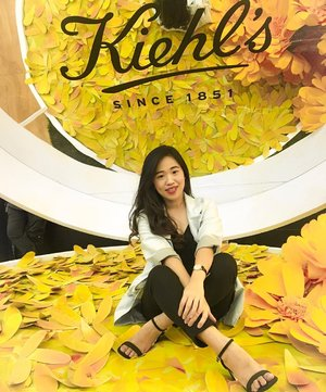 Celebration 10th Anniversary @kiehlsid masih berlangsung until Sept, 8th 2019 at Main Atrium @senayancity 🎉🎉 Kalian bisa skin check, ikutin talkshow, serta seru2an fto2 di spot2 kece sambil ngumpulin stamp buat dptin free sample product 😊😊 . . Don't miss it guys ! 🤗 . Free Entry 💕 . . . . . . . . . . #10yearskiehlsid #kiehlsid #clozetteid #likes #10menituntukbumi #kiehlsskincare #beauty #beautyevent #beautylovers #starngage #skincarejunkie #makeupadicct #instagood #instabeauty #potd #ootd #smartcasuallook #eventoftheweek #outfits #indobeautysquad #indobeautygram #jktspot