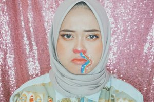 Rainbow Nosebleed🌈🌈✨✨ Inspired by : @janineintansari 💜.#beautybloggerindonesia #makeupisart #makeup #makeuptutorial #facepainting #rainbow #nosebleed #makeupbynfb #art #rose #peachymakeup #bunnyneedsmakeup #clozetteid