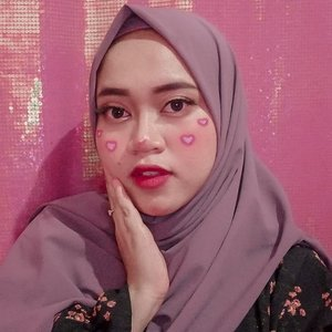 Gatau lah ini makeup apa, semalem mau cari inspirasi tbtb internet we bafvck banget, jadi ngasal ajah udah gambar gini wkwkwk 😂😂😂...#beautybloggerindonesia #makeupisart #makeup #makeuptutorial #facepainting #makeupbynfb #art #emoticon #emoji  #100daysofmakeup #bunnyneedsmakeup #clozetteid #facepaint #cute #lovemakeup #love