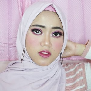 Cocok ndak? Cocok ajah lah ya 🙏😹 .Details : (soon ku pikir2 dulu pake apa ajah😹). #makeuptutorial #makeup #beauty #beautybloggerindonesia #indobeautygram #clozetteid #makeupbynfb #likeforlike #likeforfollow#follow #like #l4l #f4f #MUA #makeupparty #makeupartist