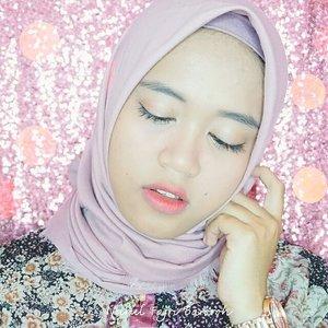 Senatural mungkin aku lebih suka~Details :💄 @etudehouseofficial Drawing Eyebrow💄 Focallure Founfation 04💄 Eyeshadow Beauty Glazed💄 Qiciy Eyeliner💄 @deborahmilano_id mascara💄 @pondsindonesia BB Magic Powder💄 @nyxcosmetics_indonesia Liquid Highliter 02💄 @clioindonesia Mad Matte Liquid Lips Peachpresso + RedHalo💄 @maybelline Collor Jolt VampRed for Blush on.#clozetteid #makeupbynfb #indobeautygram #beautybloggerindonesia #indobeautyvlogger #indobeautysquad #mudaberhijab