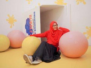 Biar Senin tapi sumringah, karena nanti hari Rabu libur lagi.  Siapa yang sama kaya gue ayo? Bahagia ada tanggal merah di tengah-tengah minggu.  Location: @mojamuseum @ussarcade__ . . . . . #mojamuseum #ussarcadexmoja #SebelumMasanya #jilbabday #hijabtravellers #hijabday #hijabtravelling #hijabdaily #hijabtraveller  #WisataIndonesia #exploreindonesia #traveling #holiday #vacation #redtraveler #clozetteid #dolansebentar #CreateMoments #PesonaIndonesia #yourtravelvoice #AladinGetaway #travellerscantik #keluarbentar #INDOFLASHLIGHT #infiatravel #TripZillaTraveller