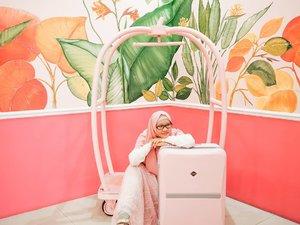 This too shall pass. . Kalau semua ini berakhir dan kondisi kembali berjalan normal, apa yang mau kalian lakukan? . Kalau gue banyak banget maunya, mau ke KOTU lagi, kau ke Bandung, mau pulang ke Bondowoso, mau ke Bangkok, dan masih banyak lagi. Sampai akhirnya gue galau nentuin yang mana dulu. . Location: This is Me . . . . #hijabtraveller #hijabtraveling #indohijabers #hijabstyleindonesia #hijabtravellers #hijabersideas #hijabindotraveller #keceberhijab #ootdhijaberindo #travellerindokece #galerihijaber #hijabstylebyme #dailyhijabstory #ootdhijabnusantara #hijabstreetstyle #jilbabday #hijabday #hijabtravelling #hijabdaily #wisataindonesia #exploreindonesia  #clozetteid  #travellerscantik #keluarbentar #thisismebandung #explorebandung #wisatabandung