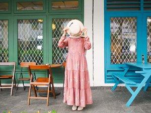 Tutup muka dulu. Masih masa dipingit akunya. . Location: M Bloc Dress: @zachraofficial Hat: @haydaisy.id . . . . #jilbabday #hijabtravellers #hijabday #hijabtravelling #hijabdaily #hijabtraveller  #mblock  #WisataIndonesia #exploreindonesia #traveling  #clozetteid  #travellerscantik #keluarbentar  #hijabtraveling #indohijabers #hijabstyleindonesia #hijabersideas #hijabindotraveller #keceberhijab #ootdhijaberindo #travellerindokece #galerihijaber #hijabstylebyme #dailyhijabstory #ootdhijabnusantara #hijabstreetstyle