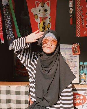 Inget, turunnya di MRT Blok M kalau mau ke sini! . Have a great weekend semuanya. Jangan galau, cukup gue aja yang galau mau kemana weekend ini. . . . . . #jilbabday #hijabtravellers #hijabday #hijabtravelling #hijabdaily #hijabtraveller  #WisataIndonesia #exploreindonesia #traveling #holiday #vacation #redtraveler #clozetteid #dolansebentar #CreateMoments #PesonaIndonesia #yourtravelvoice #AladinGetaway #travellerscantik #keluarbentar #INDOFLASHLIGHT #infiatravel #TripZillaTraveller