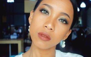 Wohooooo !!! Review Eyebrow Pensil @fanbocosmetics is up on my blog. Pensil alis sejuta umat. 🙌🙌🙌🙌 Untuk harga yg sangat-sangat terjangkau gue kasih nilai 9/10 buat pensil alis ini. . . . .  #sakuralisha #independentwoman #indonesianbeautyblogger  #eyebrow #vegasnay #potd #followback  #followforfollow #likeforlike #instagood #likeforfollow #followme #like4like  #follow4follow #follow #beauty #makeup #beautybloggers #fanbocosmetics #indonesia #dagelan  #indobeautygram #beautyblogger #lookoftheday #makeuplook #makeupoftheday #jakarta #clozetteid @indobeautygram