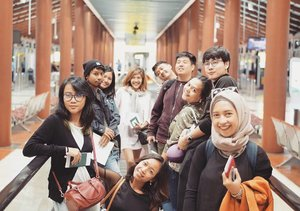 #throwbackLooking forward for the next trip with my lovely team. ❤ ... ......#sakuralisha #independentwoman#indonesianbeautyblogger  #beautybloggers #travellife #travelblogger #soekarnohatta #fashionoftheday #followback #followforfollow #followme #likeforlike #like4like #likeforfollow #travelling #ootd #fashion #outfit #jalanjalan #beautyblogger #indonesian #jakarta #fashionoftheday #indonesia #clozetteid #teamwork #outfitoftheday