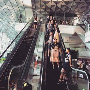 Amazing fashion show. 😍😍 Designer : Danny Satriadi 👏👏 #terminal3fashionshow  #clozetteid #fashionshow #terminal3ultimate #fashion