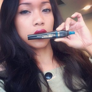 Have you checked my last review about the babies Mascara Twist Up The Volume? ? Find there the different with other mascara.  Chek it out, link on my bio. (^^) @bourjoisparis #clozetteid #bourjois #bourjoisid #bourjois_id #bourjoisparis #bourjoisindonesia #fotd #fotdibb #beauty #beautyblogger #beautybloggerid #internationalblogger #blogger #bloggerindonesia #indonesia #ibb #world #holland #german #newyork #sakuralisha #endors #endorsement #twitsupthevolume