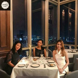 Good accompanies, good foods and good views. 💕 @osoristorante.id We will comeback again. 😘😘 .......#sakuralisha #independentwoman #indonesianbeautyblogger  #jakartalife #life #restaurant #cafejakarta #blogger #beautybloggers #beautybloggers #traveller #lifestyle #indonesia #curlyhair  #newyear2019 #beautyblogger #lookoftheday #girlstime #dinner #jakarta #clozetteid #tannedgirl  #osojakarta #finedining