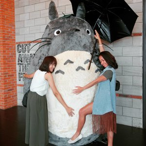 Look ! How happy we are. 😅😅 It's easy to make us happy. Just cuddling with Totoro. 😄😄 See you soon @nyingggg 😚😚 . . .  #sakuralisha #independentwoman #indonesianbeautyblogger  #beautybloggers #indonesia #totoro #grandindo #followback #followforfollow #followme #likeforlike #like4like #likeforfollow #follow #ootd #fashion #outfit #fashions  #beautyblogger #outfits #jakarta #fashionoftheday #outfitoftheday #clozetteid #meetup