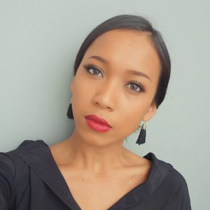 Detail product :  Powder : @maccosmetics  Eyebrow : @fanbocosmetics  Eyeliner : @maybelline  Eyeshadow : @maybelline.id Mascara : @maybelline Lipstick : @maybelline.id . . .  #sakuralisha #independentwoman #indonesianbeautyblogger #jakarta #beautybloggers #beauty #maybelline #fanbocosmetics #follows #followback #followforfollow #follow4follow #like4follow #likeforlike #like4like #blogger #fotd #dagelan #indonesia #makeuplook  #makeupoftheday #makeup #maccosmetics #clozetteid #indobeautygram @indobeautygram