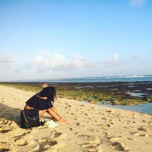#throwbackOne of the most peaceful place on earth. ...#sakuralisha #independentwoman #indonesianbeautyblogger #bali #indonesia #beach #nyangnyangbeach #pantai #uluwatu #travellife #holiday #vacation #liburan #followback #followforfollow #likeforlike #followme #like4like #follow #traveller  #beautybloggers #travel #thisisindonesia #clozetteid #beautyblogger #beachlife