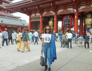Outfit of the day. The Queen 😎 on Denim style. ❤  Pic by @angelinechiba  #sakuralisha #independentwoman #indonesianbeautyblogger #japan #asakusa #beautybloggers #travellife #travelblogger #travel #travelling #followforfollow #likeforlike #followback #followme #follow4follow #likeforfollow #ootd #fashion #outfit #fashions #denim #beautyblogger #outfits #jeans #topcrop #zara #forever21 #fashionoftheday #outfitoftheday #clozetteid